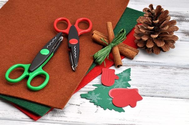 Christmas cards and presents - motherhooddiaries
