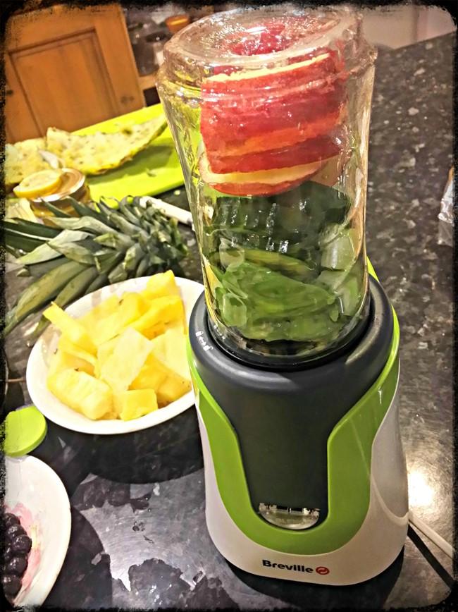 Green smoothie - breville blend active - motherhooddiaries