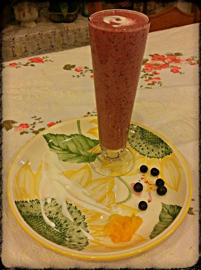 Fruit milkshake - breville blend active - motherhooddiaries