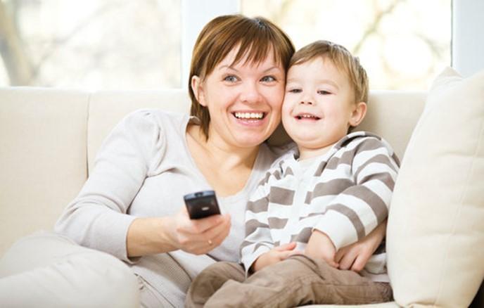 Mum and child watching tv