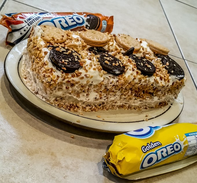 Golden & Peanut Butter Oreo Vienetta Recipe - motherhooddiaries.com