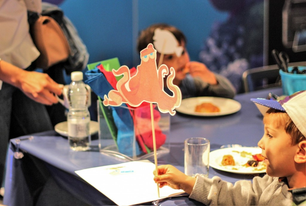Hank the Octopus prop at Disney store #PrintingDory Epson event - motherhooddiaries