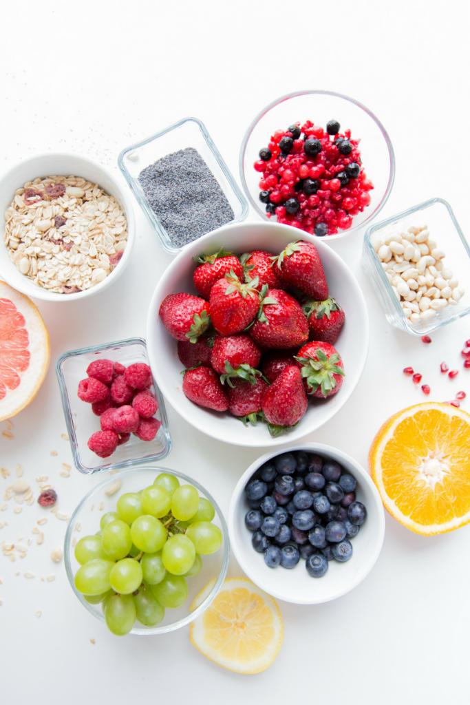 Bowl of fruit and oats for breakfast - motherhooddiaries
