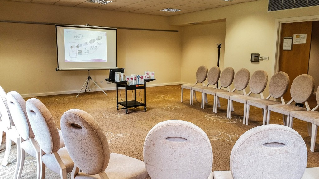Empty presentation room at Champneys - Lights by TENA #noonetoldme #oooopsmoments blogger event