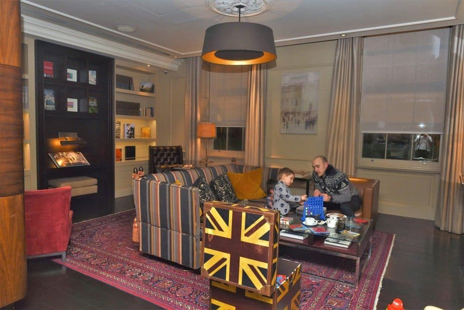 Martini Library - Arch London Hotel - motherhooddiaries