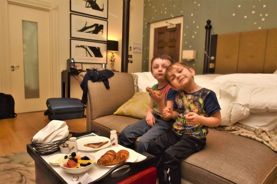 Kids eating continental breakfast - Arch London Hotel - motherhooddiaries