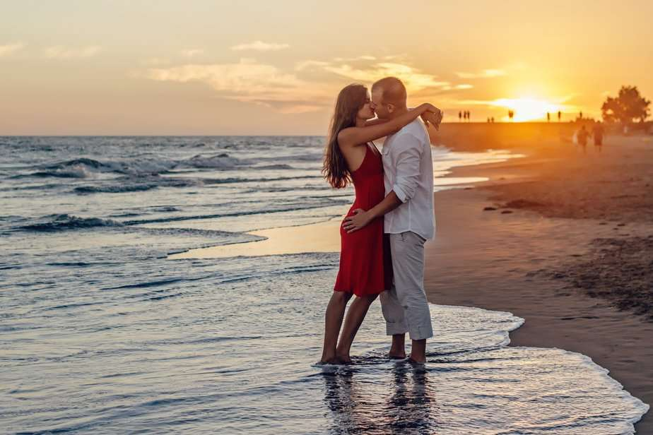 Get touchy feely - 10 ways to keep the romance alive - motherhooddiaries