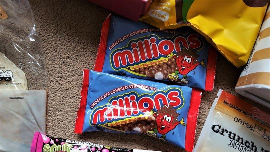 Millions chocolate covered strawberry - May 2017's Picnic Degustabox - motherhooddiaries
