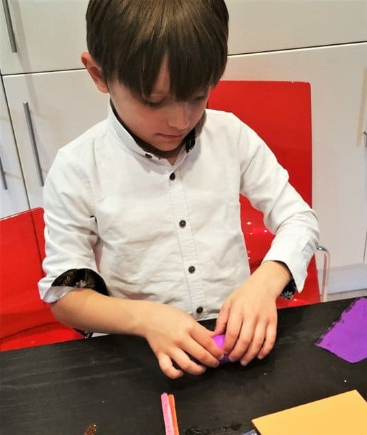 Use the other coloured paper to wrap the other egg-shaped foam - Craft Merrily Halloween Monster House - motherhooddiaries
