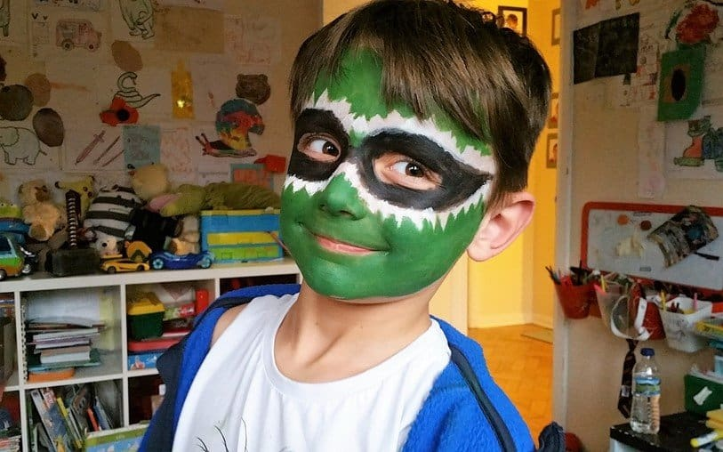 Green Power Ranger - Snazaroo face paints - motherhooddiaries