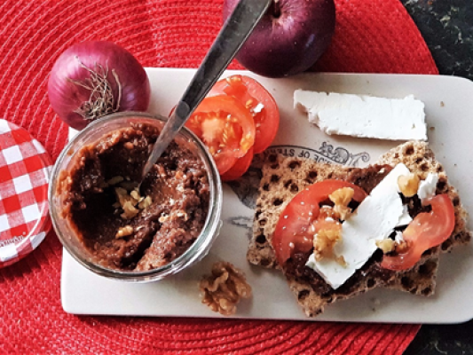 Christmas Spiced Apple and Walnut Chutney Recipe - motherhooddiaries