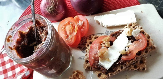 Spiced Apple and Walnut Chutney - recipe