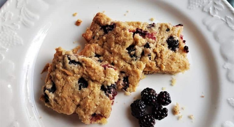 Almond and blackberry biscuit squares recipe