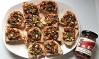 Easy tomato chutney bruschetta recipe