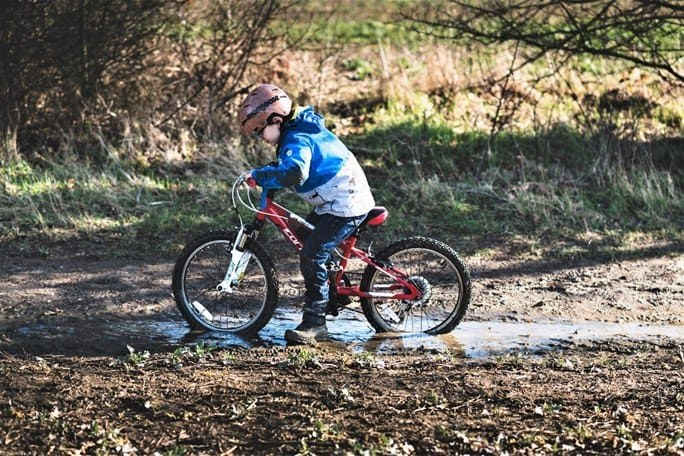 Bike riding on muddy terrain - https://www.prestonperfectphotography.com