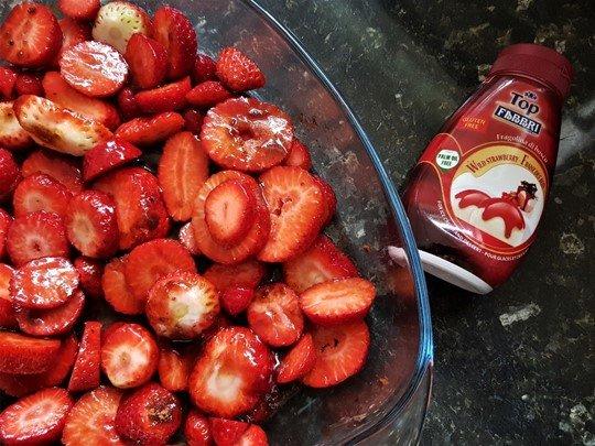 Strawberryes on baking tray