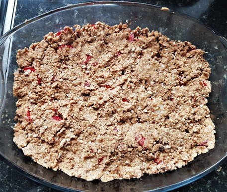Spread the crumble over the strawberry mixture