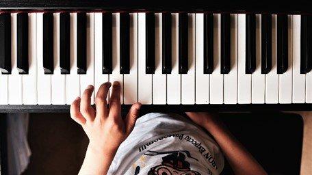 Yamaha Arius YDP-S34 digital piano keys