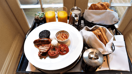 Complimentary full English breakfast at The Arch London - photo by https://www.prestonperfectphotography.com