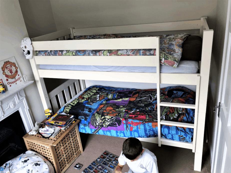 Children's bunk bed in boys' room for happy sleeping! #sleep #bunkbed