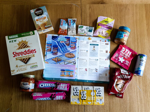 https://www.motherhooddiaries.com/wp-content/uploads/2021/09/August-Back-to-School-and-On-the-Go-Degusta-Box-2021-ingredients.jpg